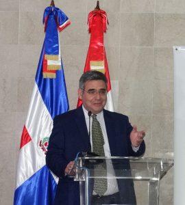 Dr. Eduardo Calvo Buendia en Conferencia Magistral