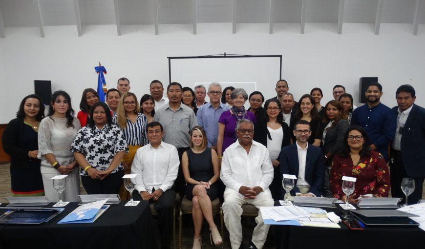 Participantes de la reunión de la CCAD-SICA.