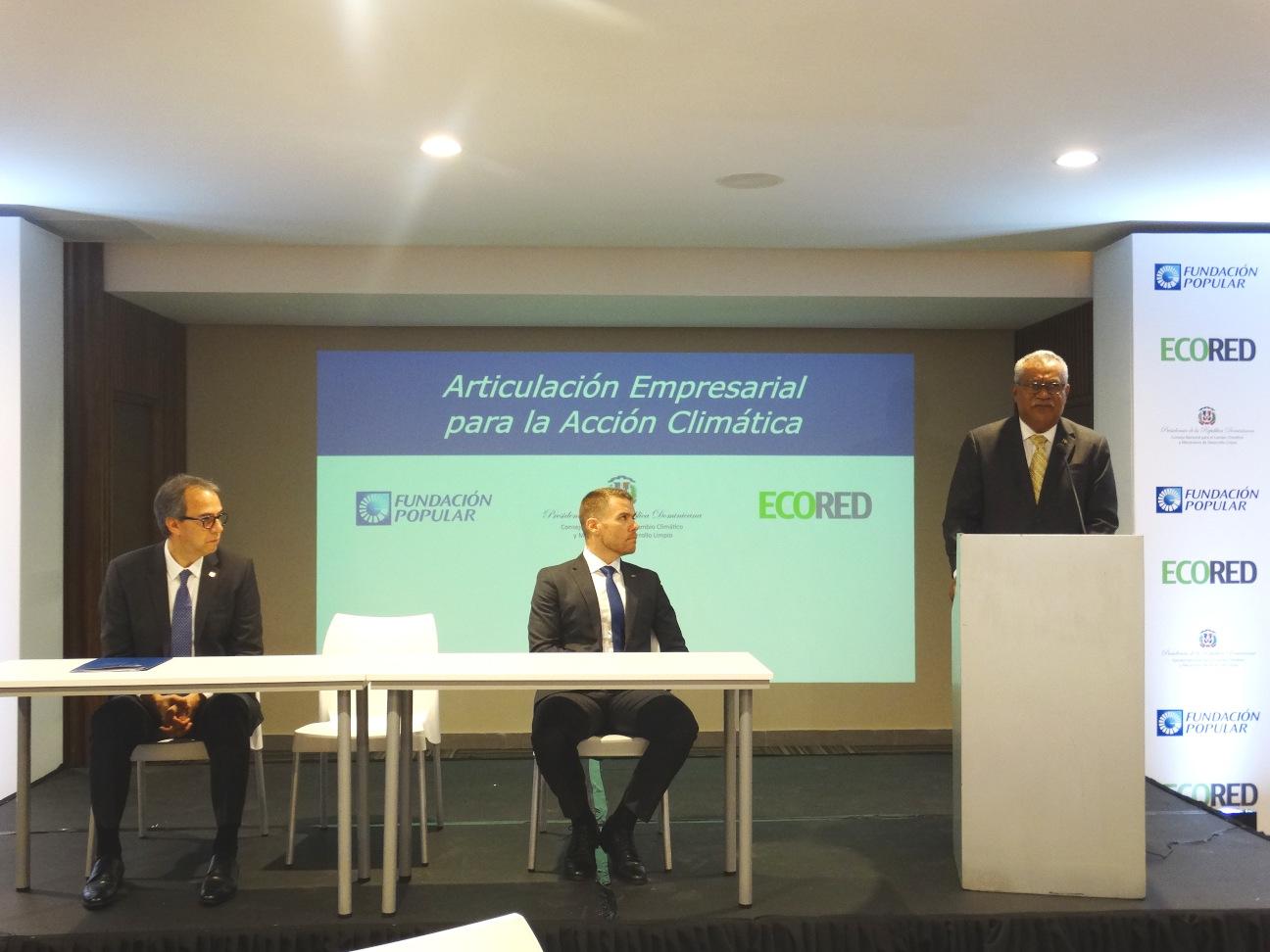 Ernesto Reyna Alcántara, del CNCCMDL, interviene en la evaluación del sector empresarial nacional para cumplir con el Acuerdo de París.